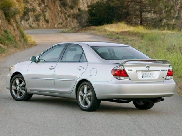toyota camry 2006 battery size